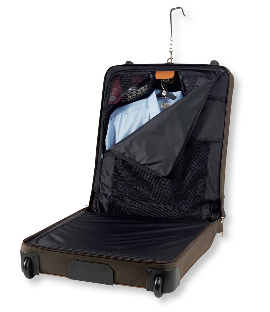Sportsman's Rolling Garment Bag