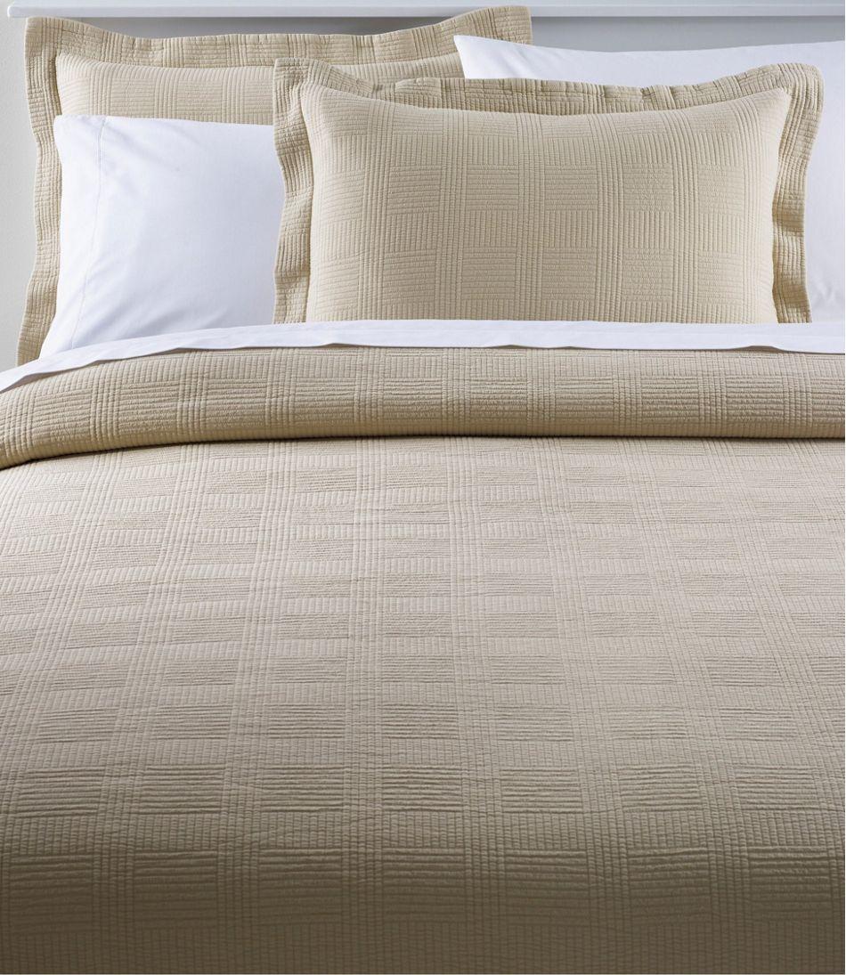 Vintage Matelassé Bedspread