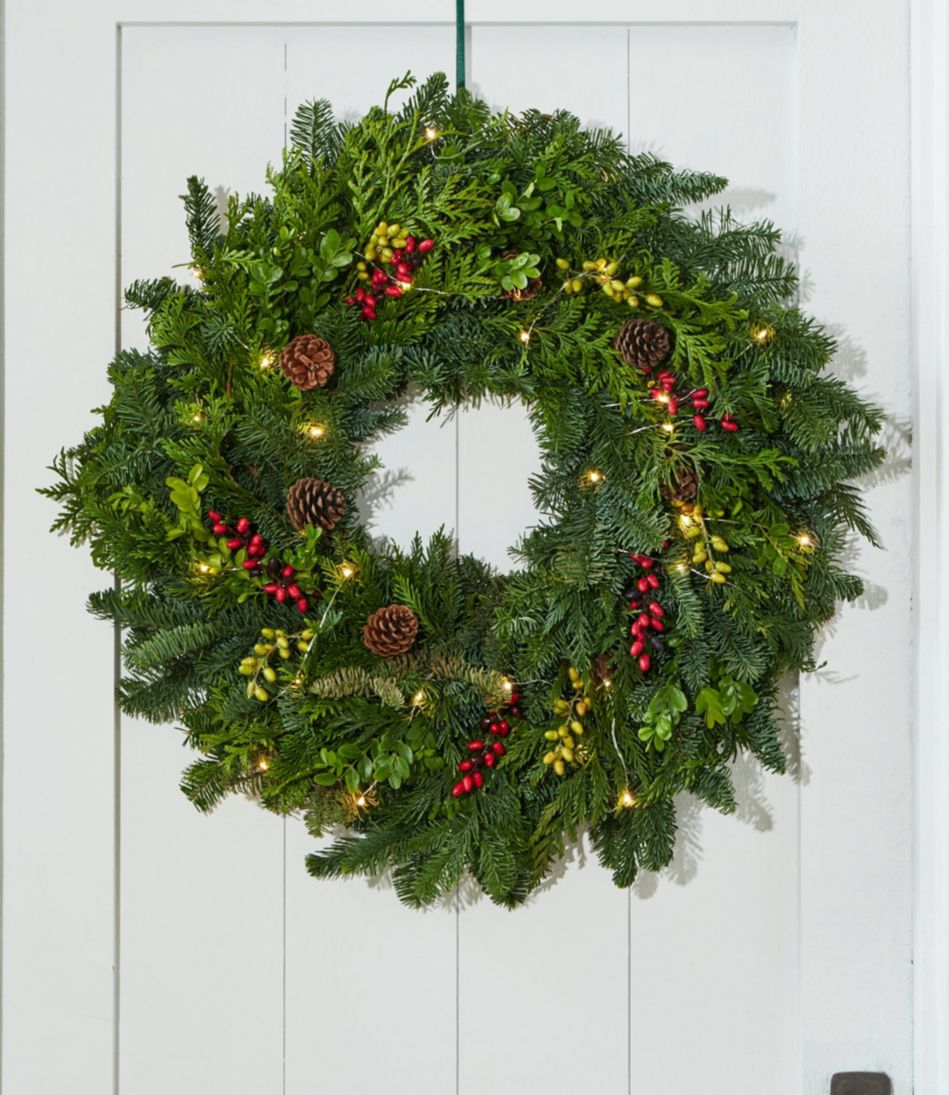 Woodland Berry Wreath, Lighted 24""