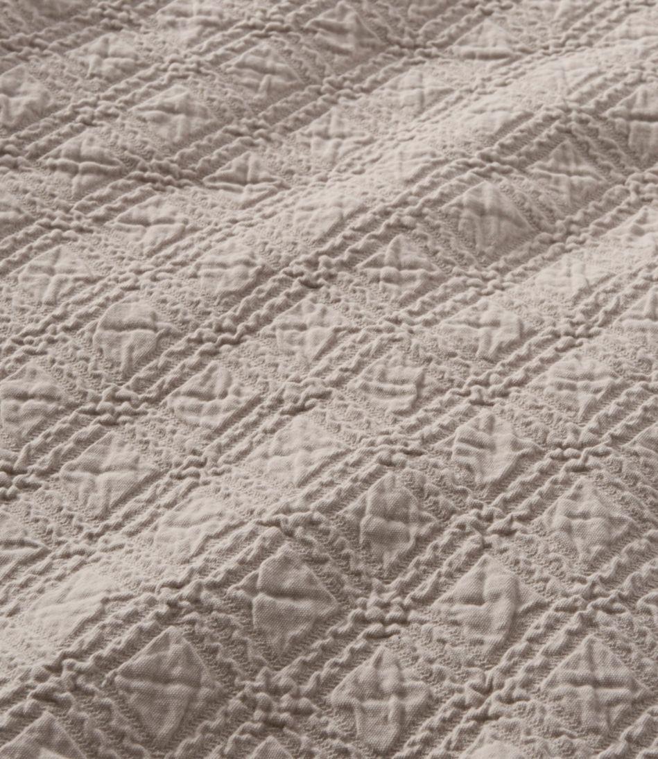 Diamond Stitch Matelassé Coverlet