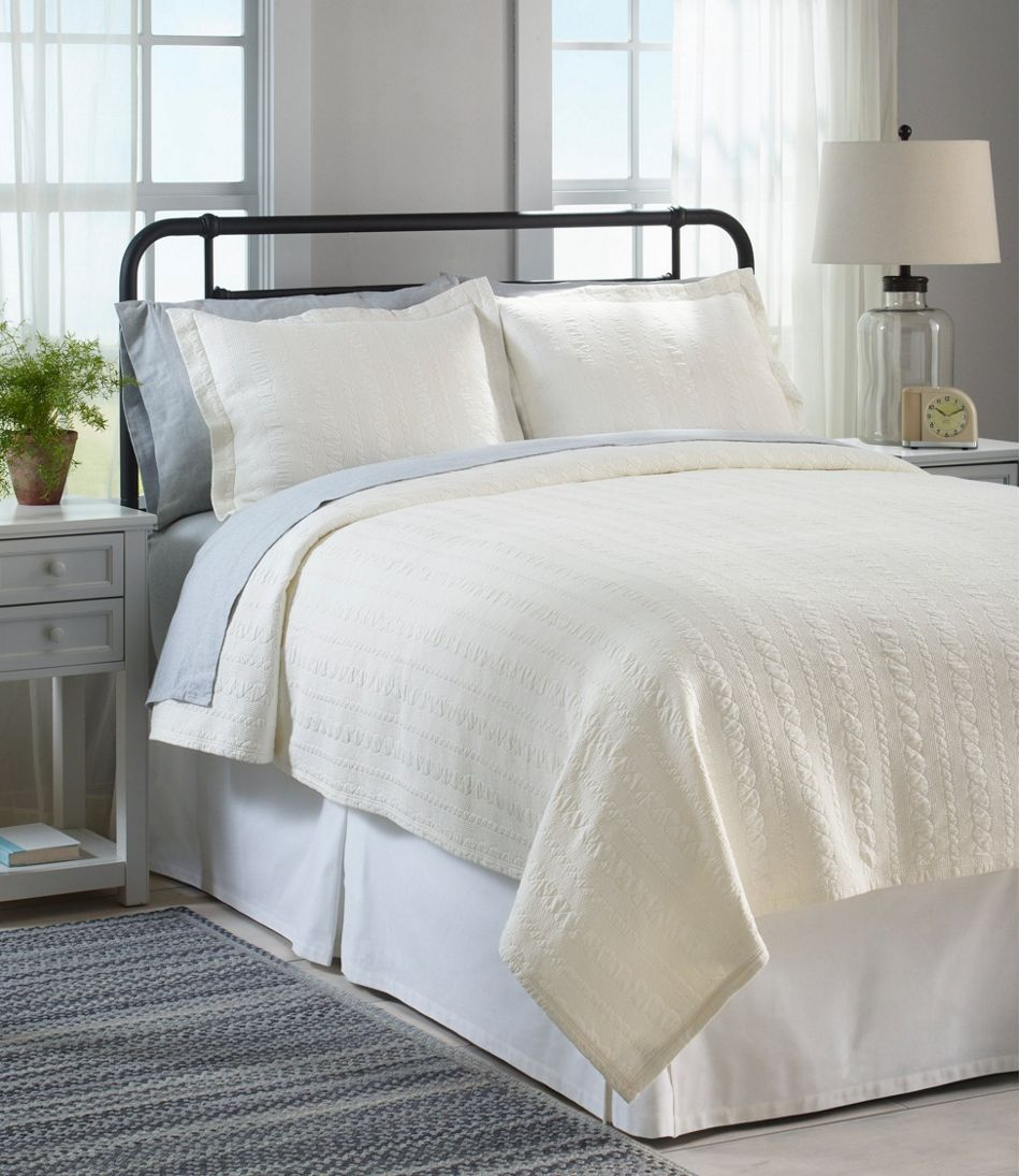 Cable Stitched Matelasse Coverlet