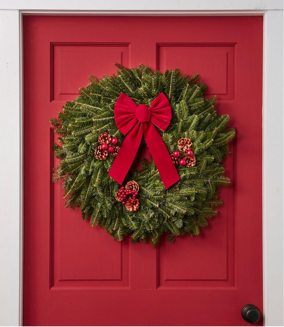 Traditional Christmas.Traditional Christmas Balsam Wreath 24