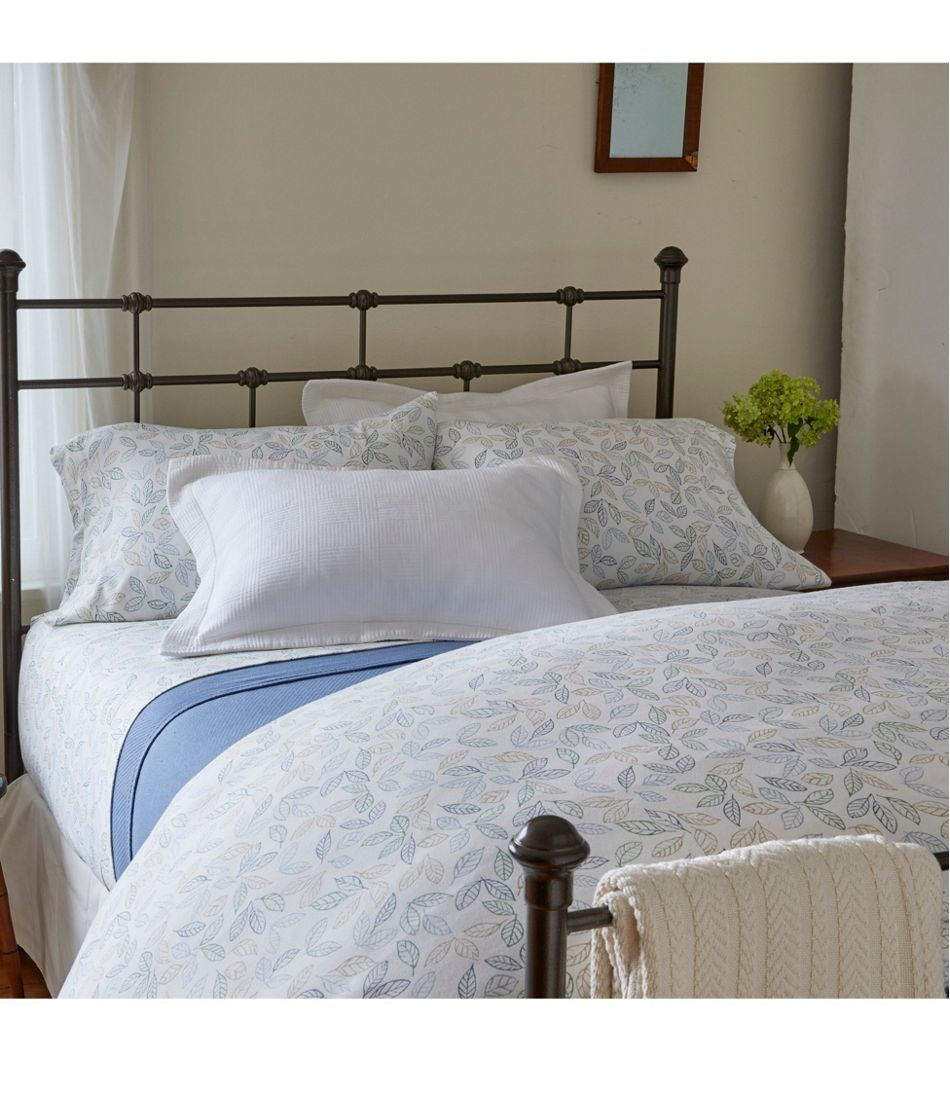 Tossed Leaves Flannel Comforter Cover Collection