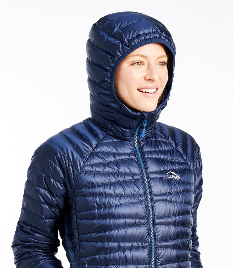 Women's Ultralight 850 Down Hooded Sweater